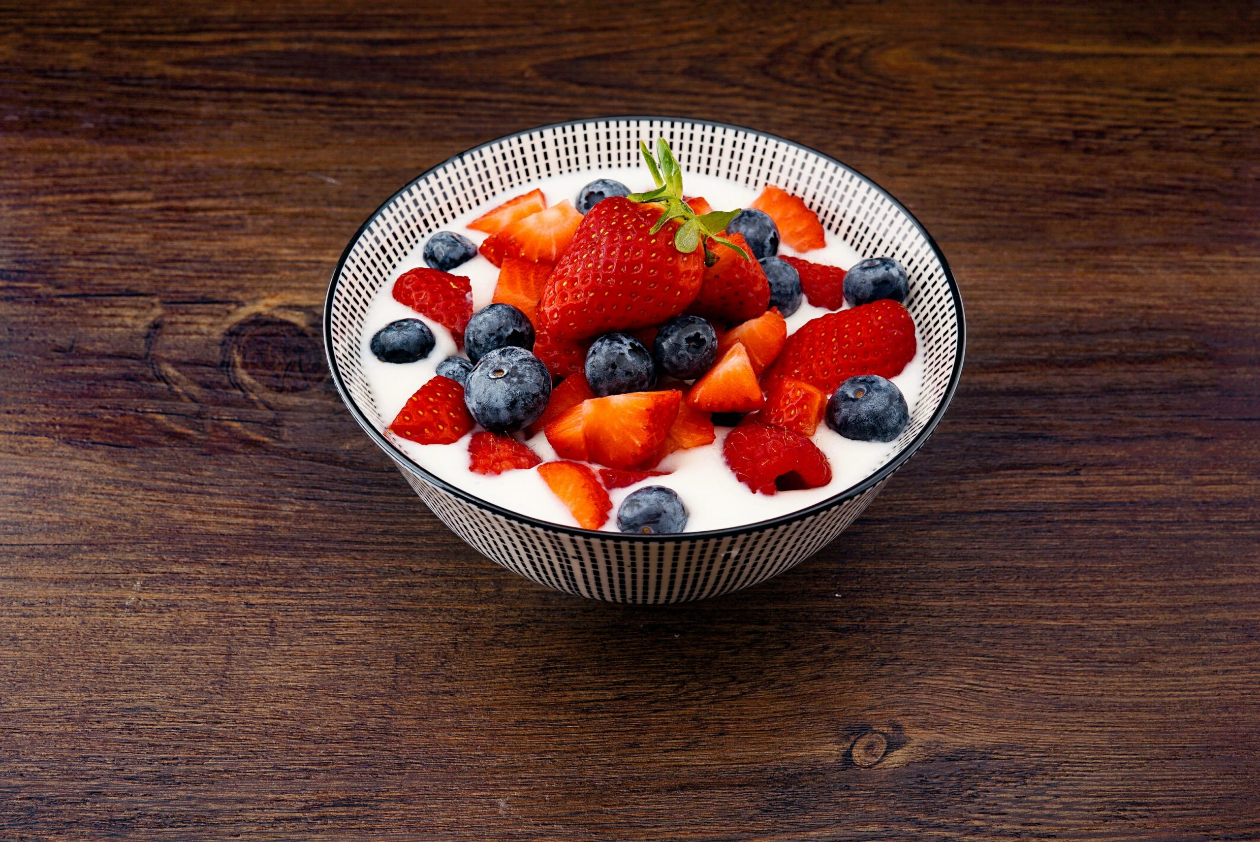 In this article we take a look at the top 5 best selling yoghurt makers, and a review of each of them.